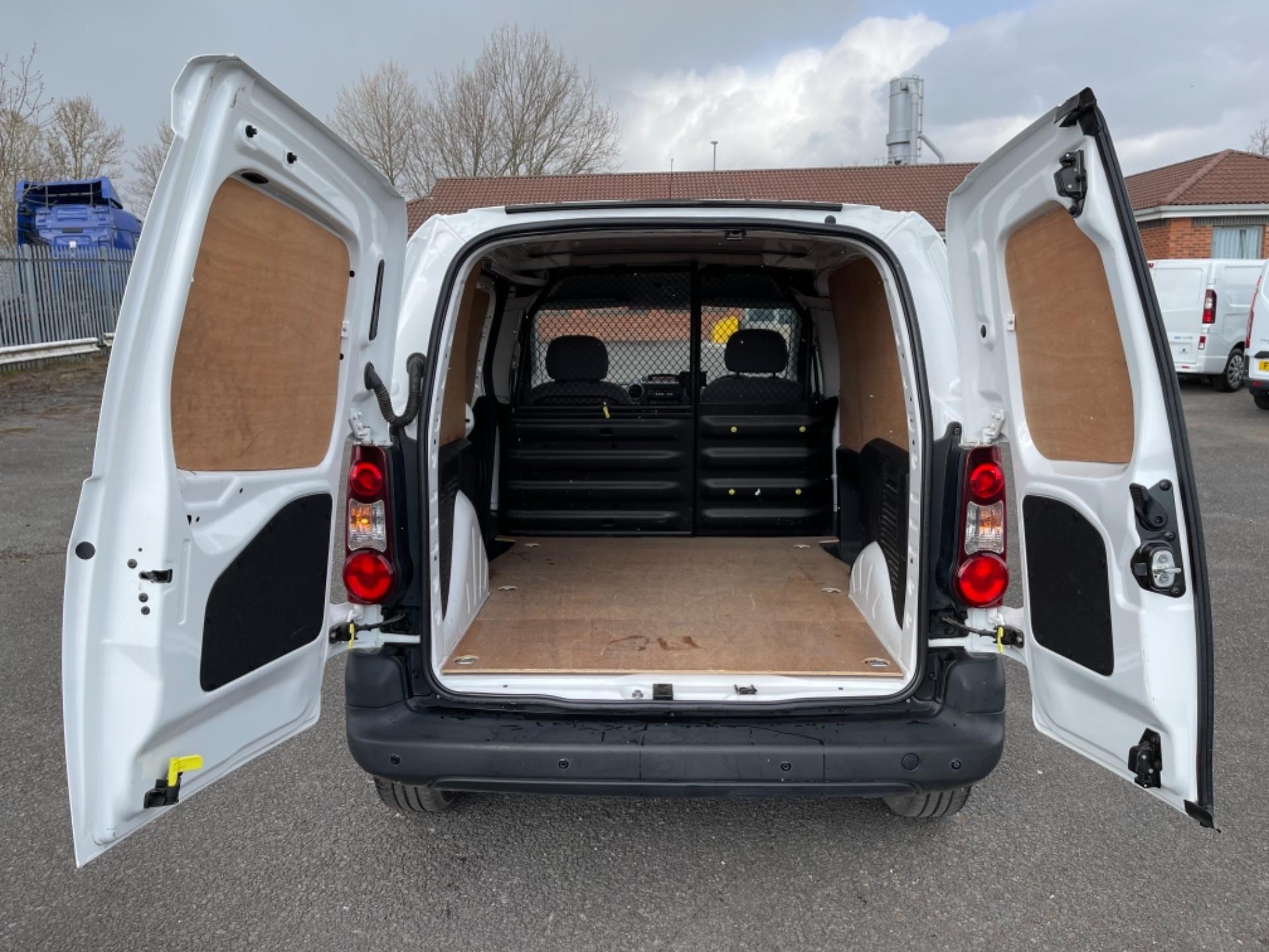 2015 Peugeot Partner 850 S 1.6 Hdi 92 Van [Sld] (NX65YEC) Image 11
