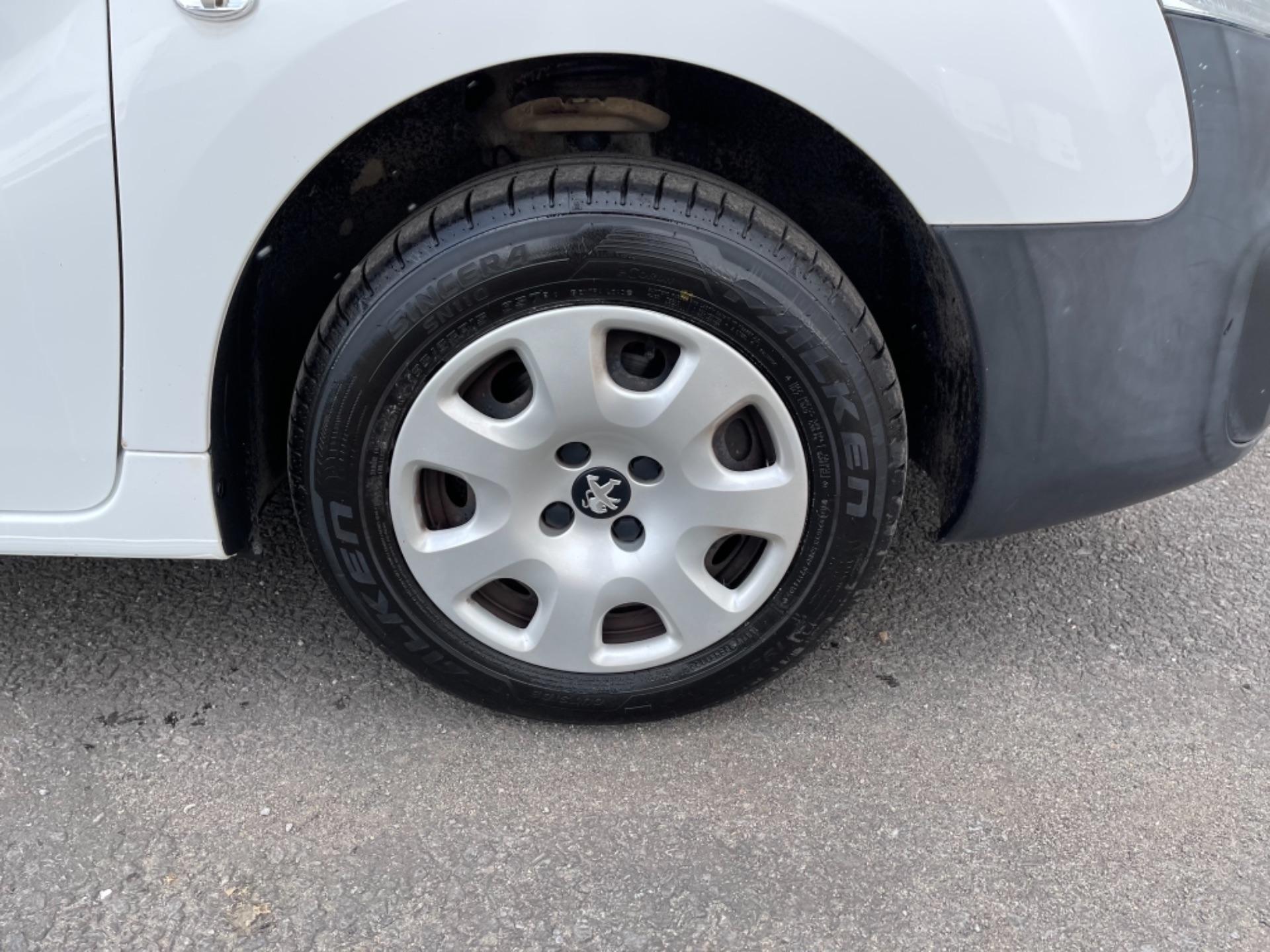 2015 Peugeot Partner 850 S 1.6 Hdi 92 Van [Sld] (NX65YEC) Image 8