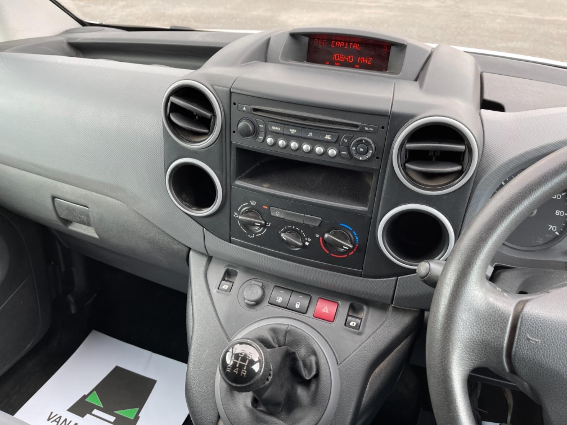 2015 Peugeot Partner 850 S 1.6 Hdi 92 Van [Sld] (NX65YEC) Image 16