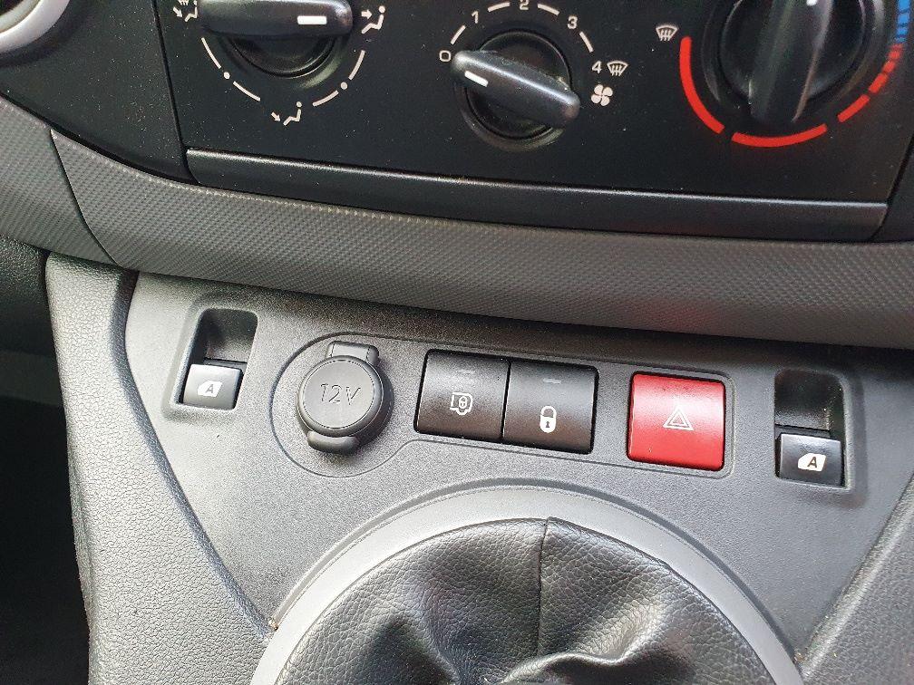 2016 Peugeot Partner 850 S 1.6 Hdi 92 Van [Sld] (NX66JJV) Image 17