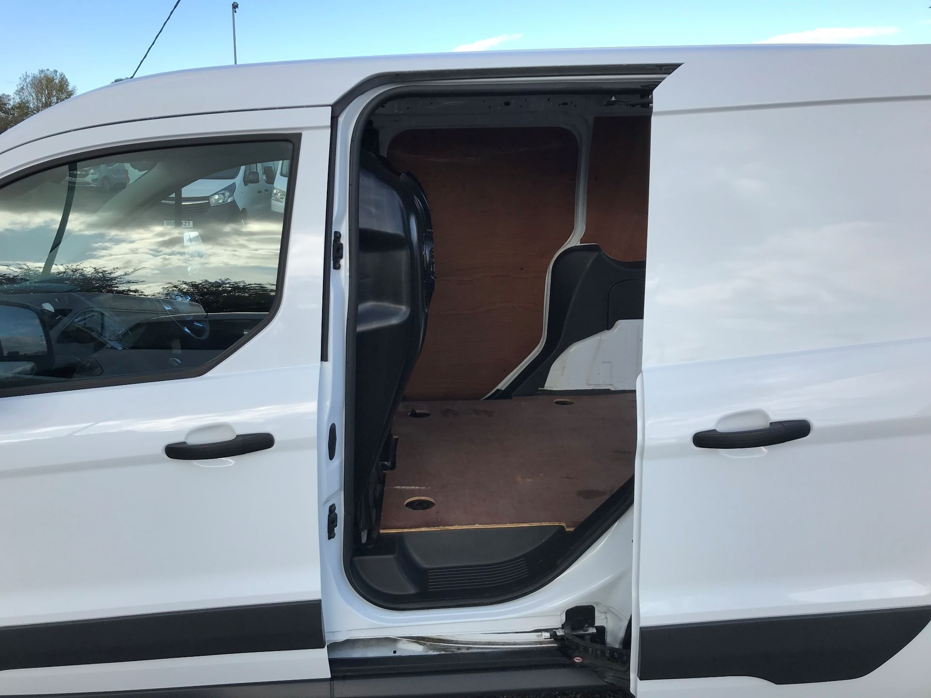 2016 Ford Transit Connect 1.5 Tdci 75Ps Trend Van (NX66WHN) Image 17