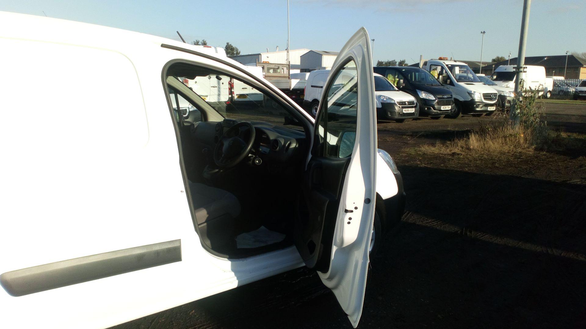 2016 Peugeot Partner 850 1.6 Bluehdi 100 Professional Van [Non Ss] (NX66YVF) Image 11