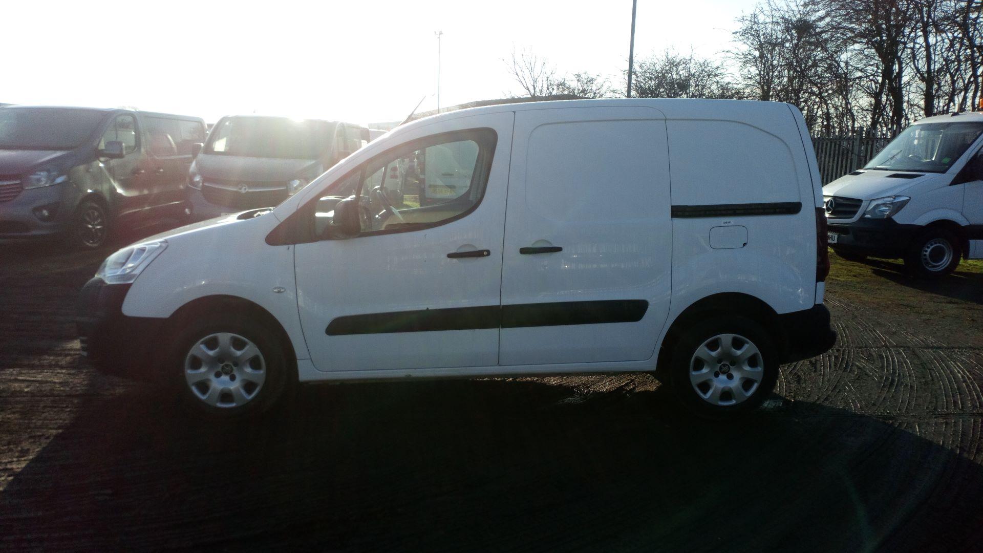 2016 Peugeot Partner 850 1.6 Bluehdi 100 Professional Van [Non Ss] (NX66YVF) Image 4