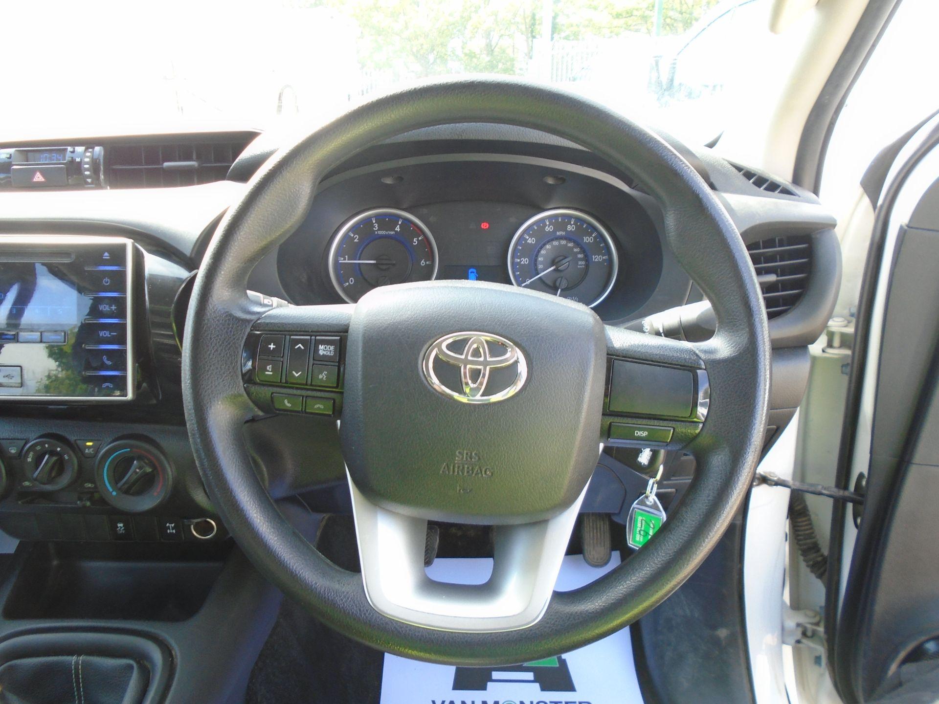 2017 Toyota Hilux Active D/Cab Pick Up 2.5 D-4D 4Wd 144 (NX67PGE) Image 22