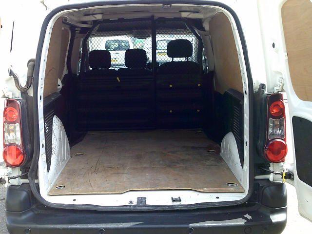 2017 Peugeot Partner 850 1.6 Bluehdi 100 Professional Van [Non Ss] (NX67XNE) Image 6