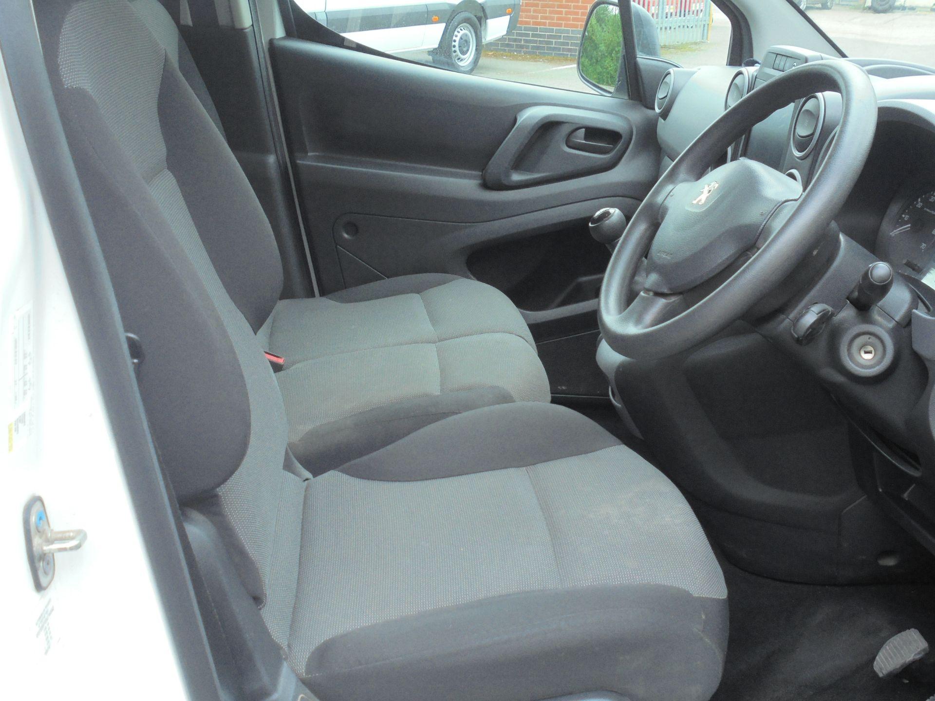 2017 Peugeot Partner 850 1.6 Bluehdi 100 Professional Van [Non Ss] (NX67XNF) Image 12