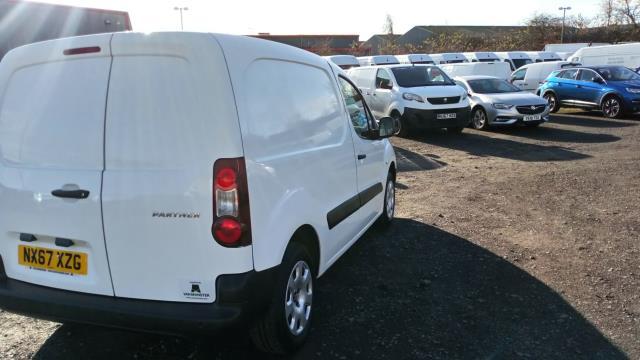 2017 Peugeot Partner 850 1.6 Bluehdi 100 Professional Van [Non Ss] (NX67XZG) Image 3