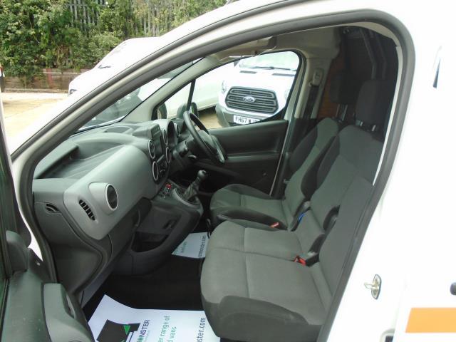 2017 Peugeot Partner 850 1.6 Bluehdi 100 Professional Van [Non Ss] *EURO 6* (NX67ZSP) Image 14