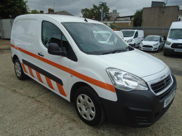 2017 Peugeot Partner 850 1.6 Bluehdi 100 Professional Van [Non Ss] *EURO 6* (NX67ZSP) Image 1