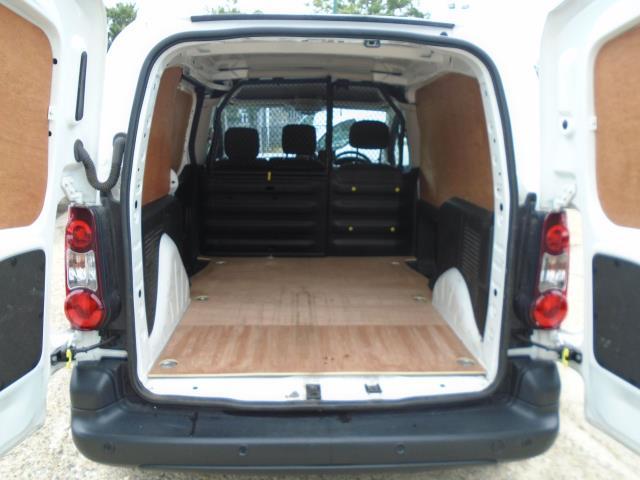 2017 Peugeot Partner 850 1.6 Bluehdi 100 Professional Van [Non Ss] *EURO 6* (NX67ZSP) Image 13