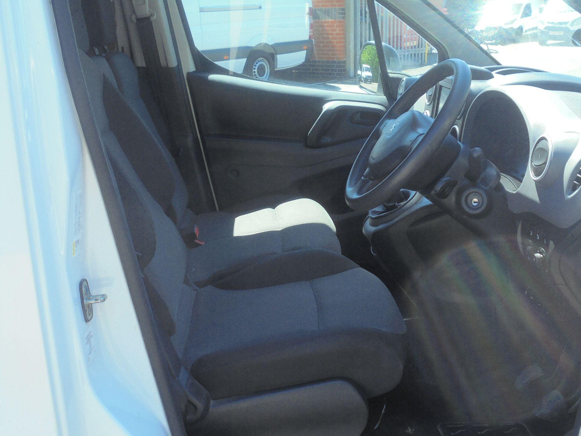 2017 Peugeot Partner 850 1.6 Bluehdi 100 Professional Van [Non Ss] (NX67ZSV) Image 12