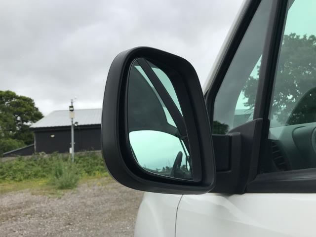 2017 Peugeot Partner L1 850 1.6 BLUEHDI 100 PROFESSIONAL (NON S/S)EURO 6 (NX67ZTC) Image 14