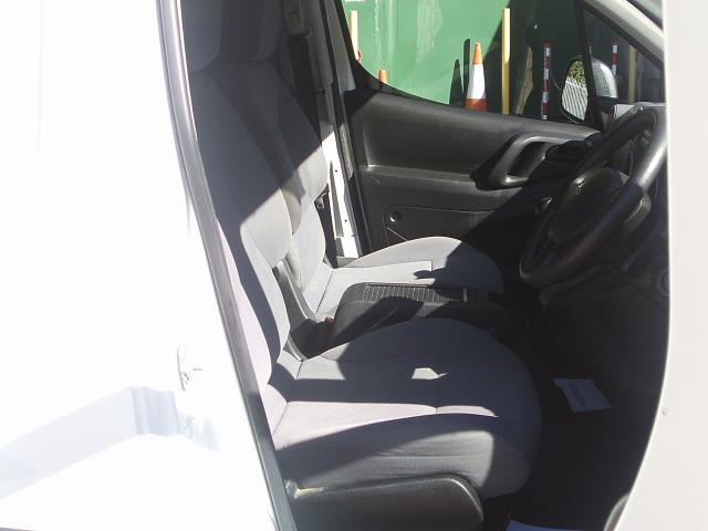 2014 Peugeot Partner L1 850 S 1.6 92PS (SLD) EURO 5 (NY14FEM) Image 19