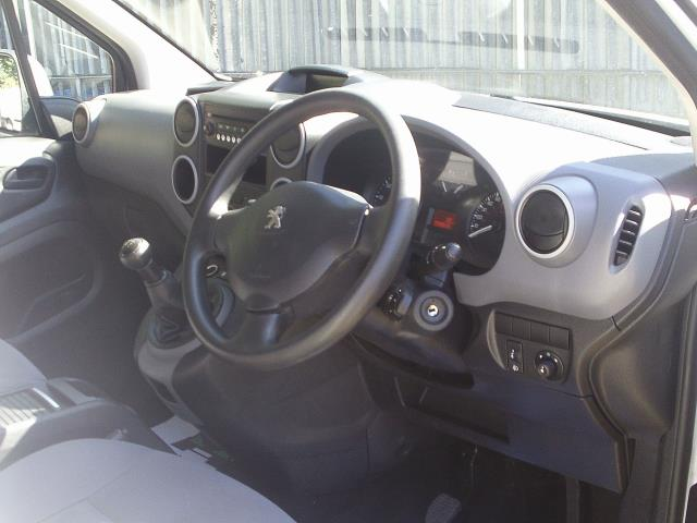 2014 Peugeot Partner L1 850 S 1.6 92PS (SLD) EURO 5 (NY14FEM) Image 18