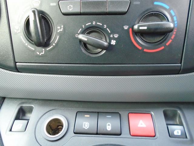 2015 Peugeot Partner L1 850 S 1.6 92PS (SLD) EURO 5 (NY15CUJ) Image 22