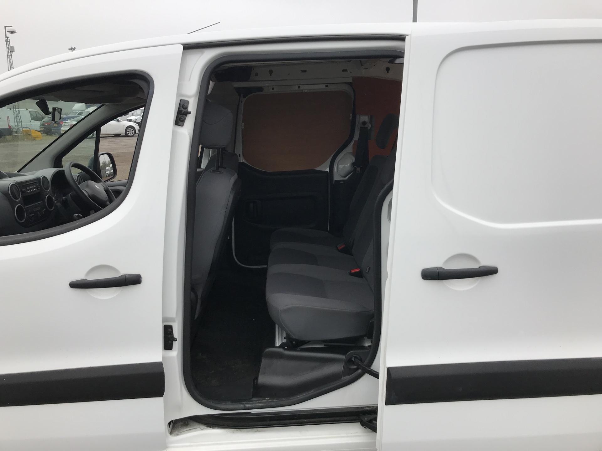 2015 Peugeot Partner L2 716 1.6 92 CREW VAN EURO 5 (NY15FSS) Image 17