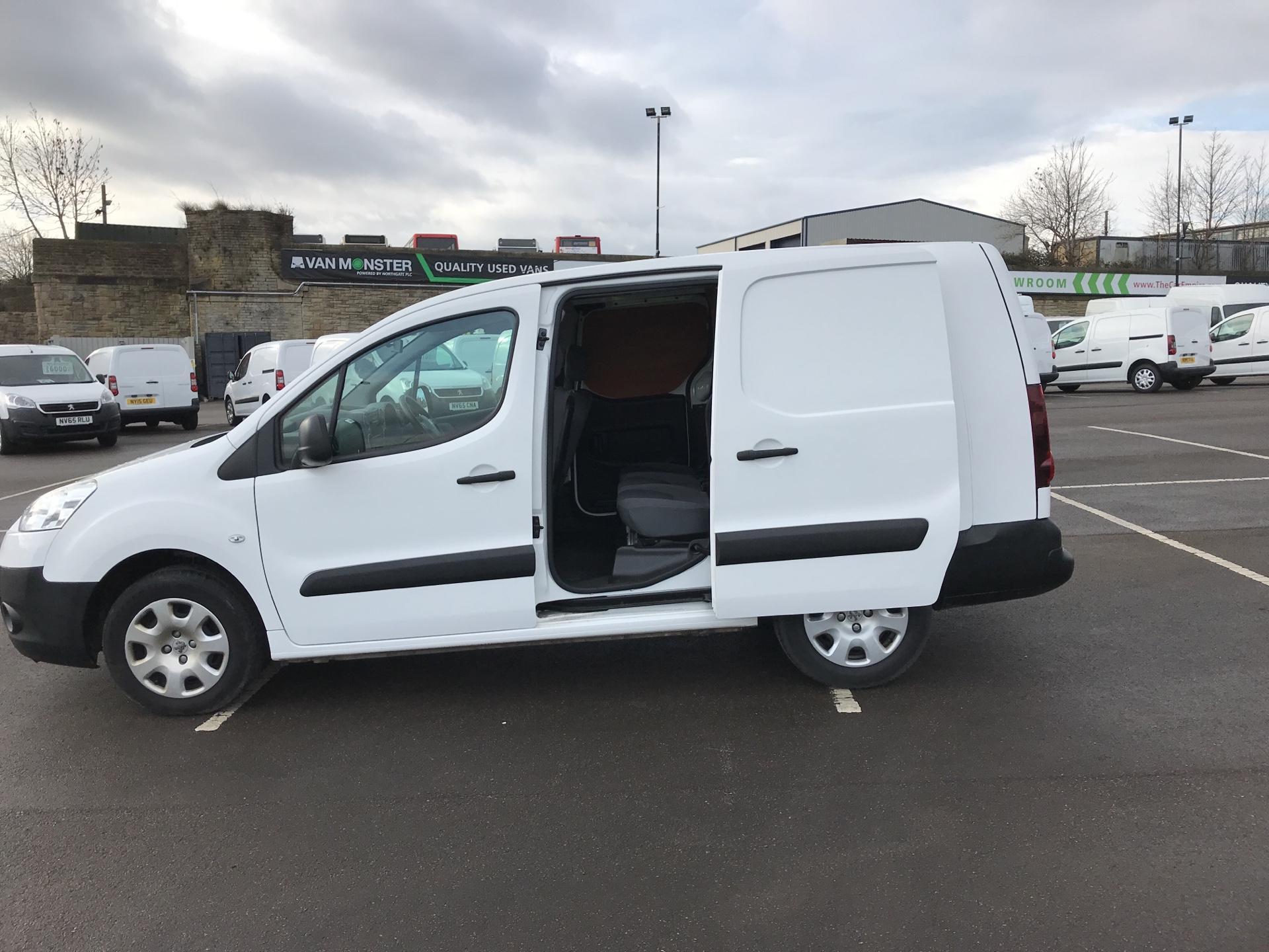 2015 Peugeot Partner L2 716 1.6 92 CREW VAN EURO 5 (NY15FSZ) Image 17