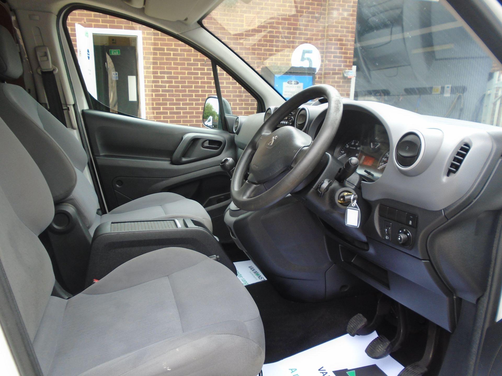 2015 Peugeot Partner 850 S 1.6 Hdi 92 Van EURO5 (60MPH LIMIT) (NY15GBO) Image 12
