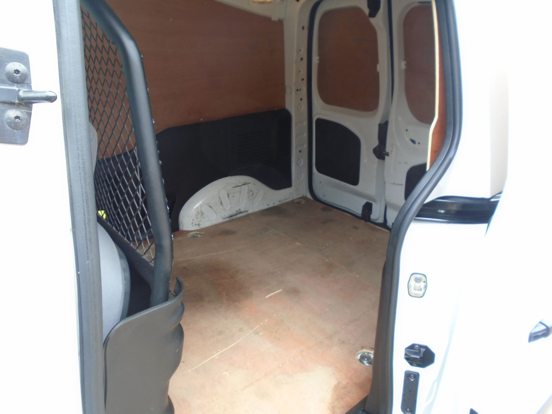 2015 Peugeot Partner 850 S 1.6 Hdi 92 Van EURO5 (60MPH LIMIT) (NY15GBO) Image 9