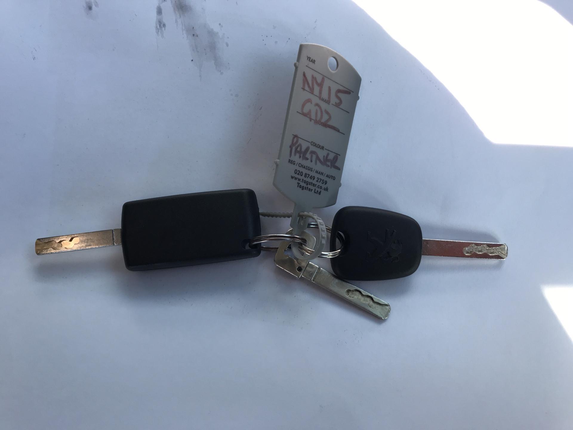 2015 Peugeot Partner L1 850 S 1.6 92PS (SLD) EURO 5 (NY15GDZ) Image 19