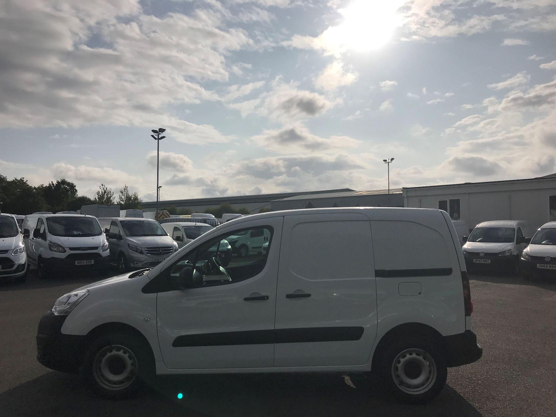 2016 Peugeot Partner L1 850 S 1.6 92PS [SLD] EURO 5 (NY16EEB) Image 9