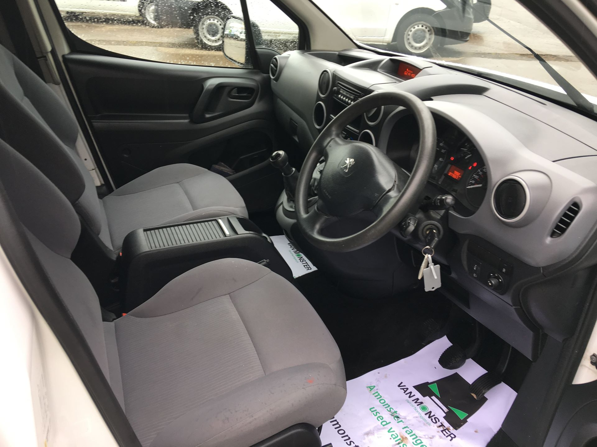 2016 Peugeot Partner L2 715 S 1.6 HDI 92PS CREW VAN EURO 5 (NY16EKW) Image 2