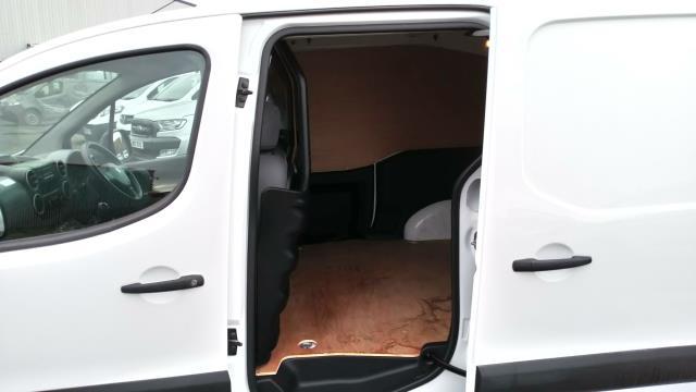 2016 Peugeot Partner 850 S 1.6 Hdi 92 Van [Sld] (NY16EMV) Image 11
