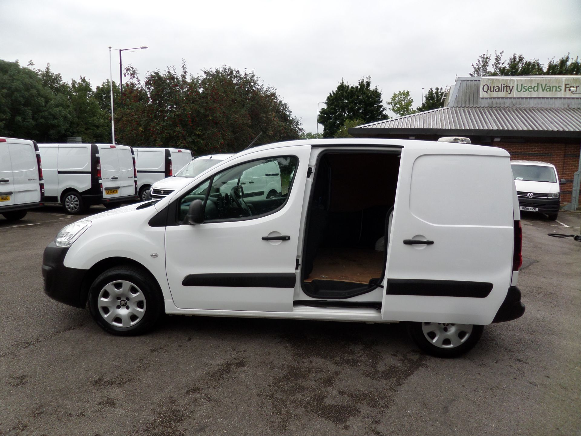 2017 Peugeot Partner 850 1.6 Bluehdi 100 Professional Van [Non Ss] Euro 6 (NY17CNK) Image 7