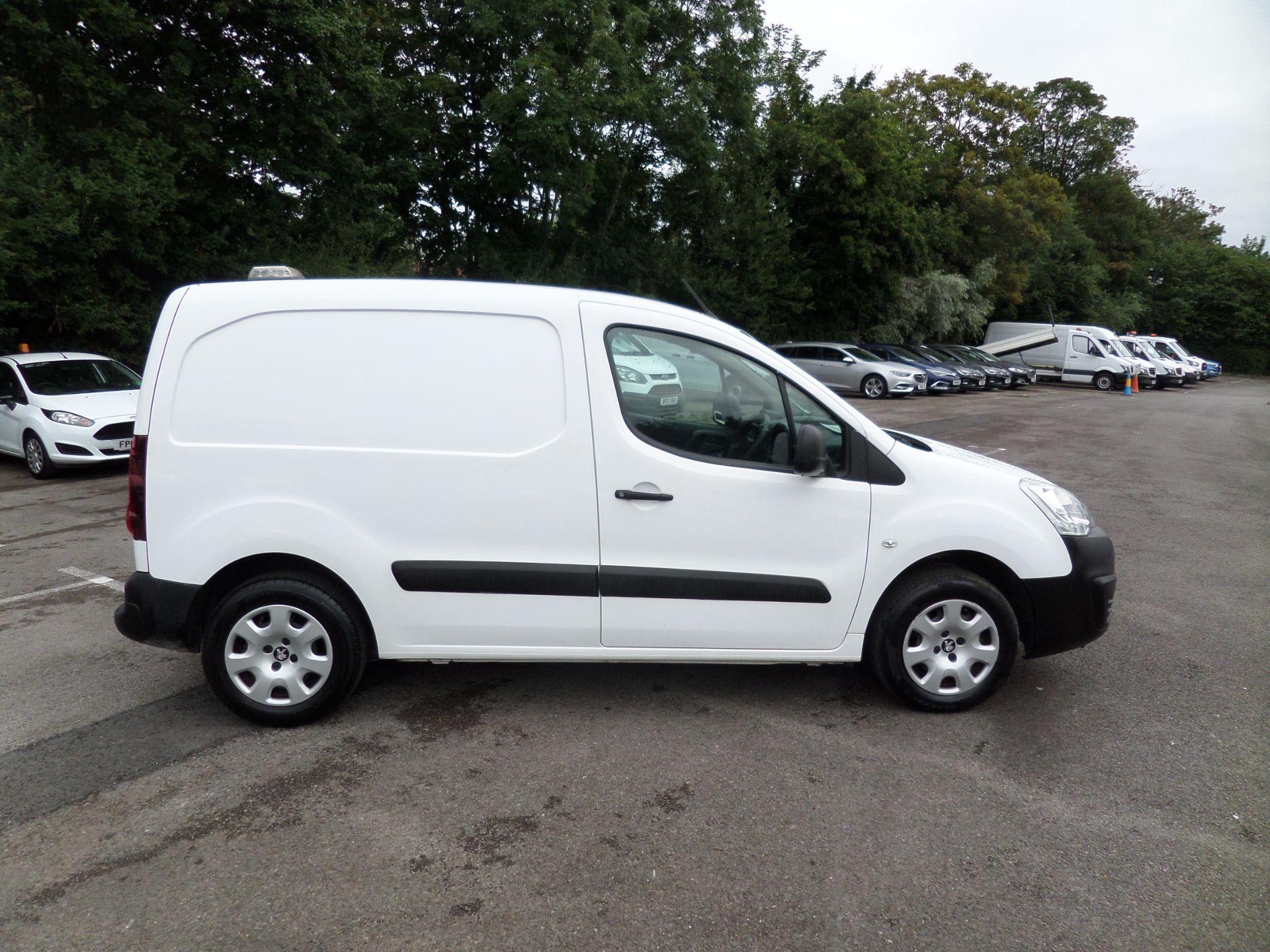 2017 Peugeot Partner 850 1.6 Bluehdi 100 Professional Van [Non Ss] Euro 6 (NY17CNK) Image 2