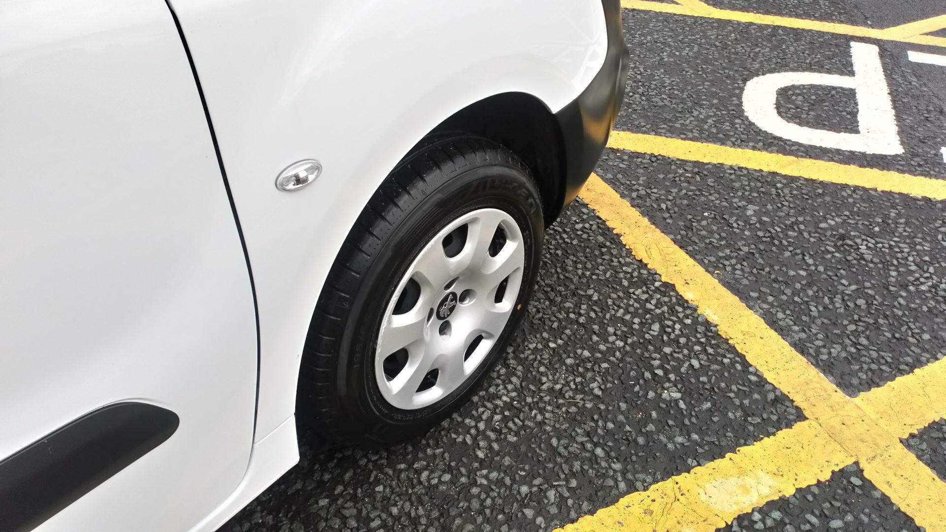 2017 Peugeot Partner 850 1.6 Bluehdi 100 Professional Van [Non Ss] (NY17CNU) Image 11