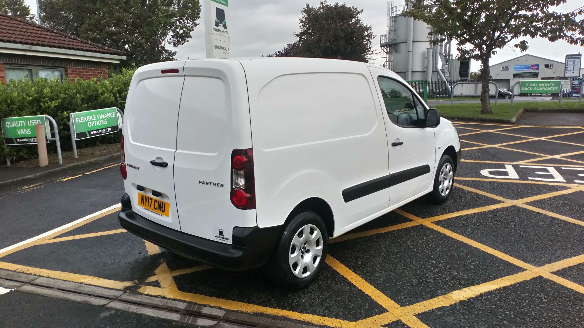 2017 Peugeot Partner 850 1.6 Bluehdi 100 Professional Van [Non Ss] (NY17CNU) Image 7