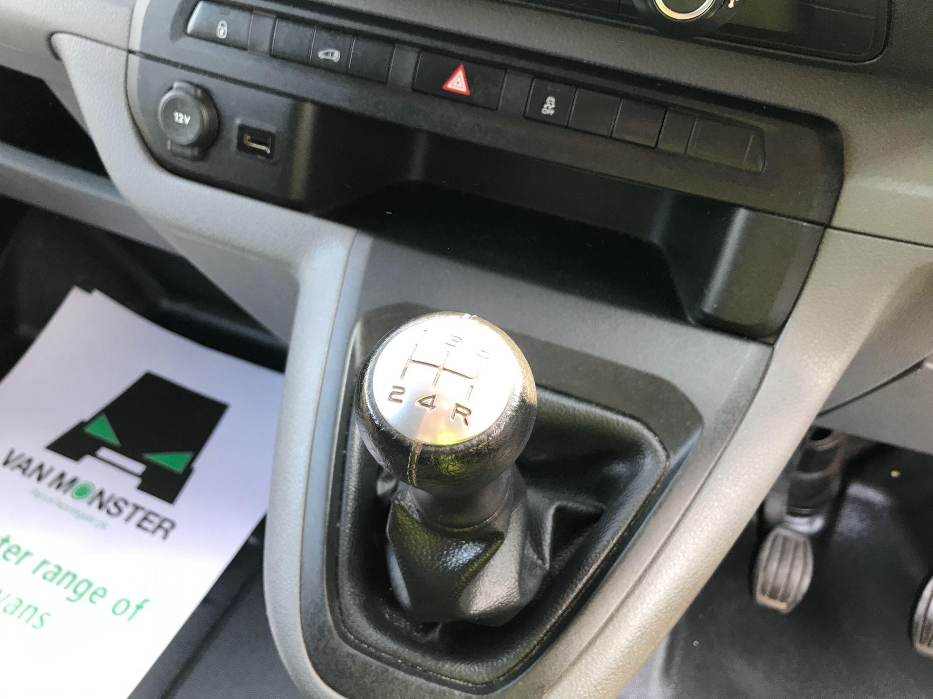 2017 Peugeot Expert 1000 1.6BLUEHDI S 95PS EURO 6 (NY17EJX) Image 4