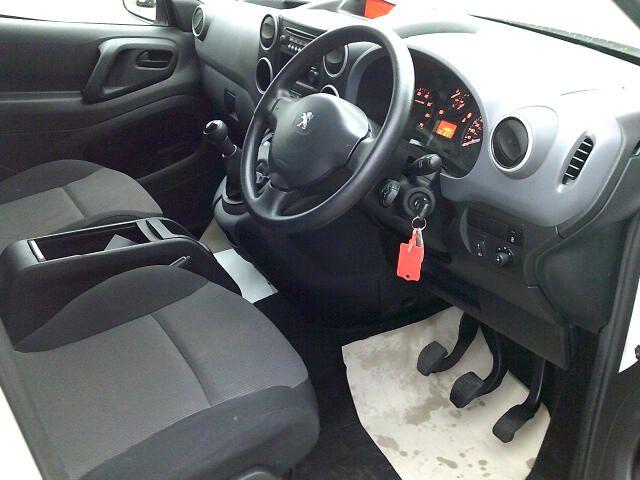 2017 Peugeot Partner L2 715 S 1.6 Bluehdi 100 Crew Van (NY17ESV) Image 2
