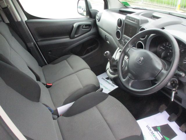 2018 Peugeot Partner BLUEHDI 100PS PROFESSIONAL VAN (NON S/S) EURO 6 (NY18AAV) Image 11