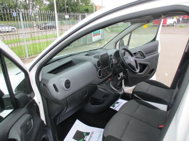 2018 Peugeot Partner BLUEHDI 100PS PROFESSIONAL VAN (NON S/S) EURO 6 (NY18AAV) Image 16