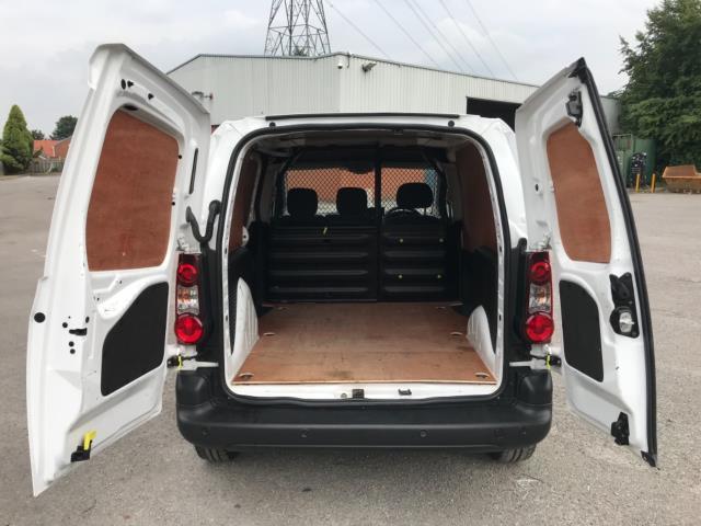 2018 Peugeot Partner 850 1.6 Bluehdi 100 Professional Van [Non Ss] Euro 6 (NY18BJK) Image 32