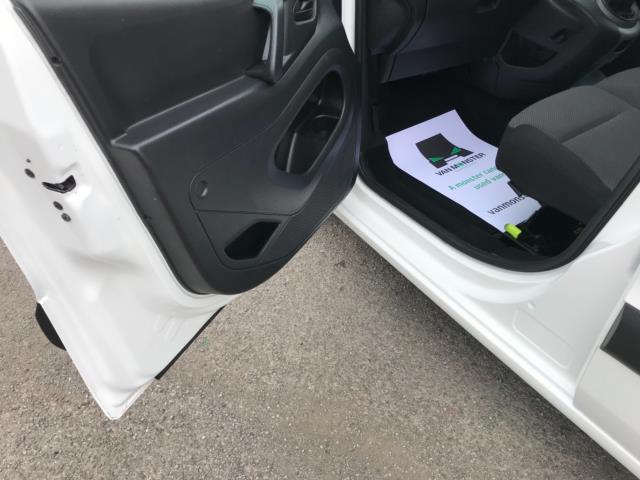 2018 Peugeot Partner 850 1.6 Bluehdi 100 Professional Van [Non Ss] Euro 6 (NY18BJK) Image 28