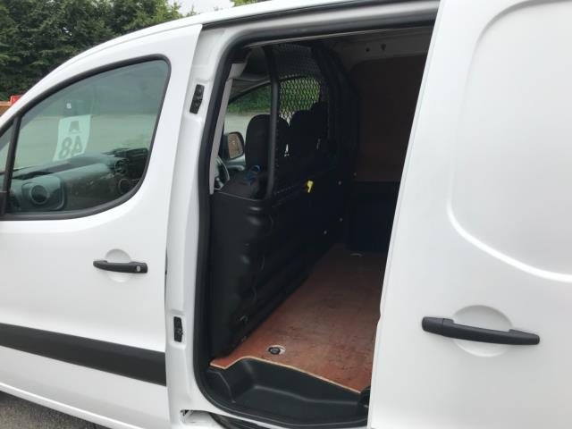 2018 Peugeot Partner 850 1.6 Bluehdi 100 Professional Van [Non Ss] Euro 6 (NY18BJK) Image 29