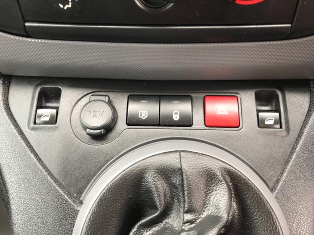 2018 Peugeot Partner 850 1.6 Bluehdi 100 Professional Van [Non Ss] Euro 6 (NY18BJK) Image 24