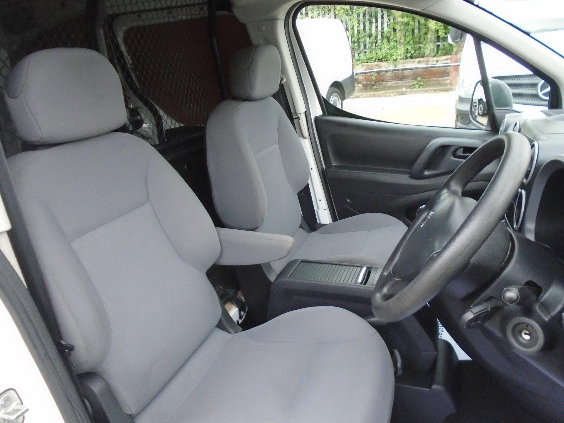 2015 Peugeot Partner L1 850 S 1.6 92PS (SLD) EURO 5 (NY64BCV) Image 16