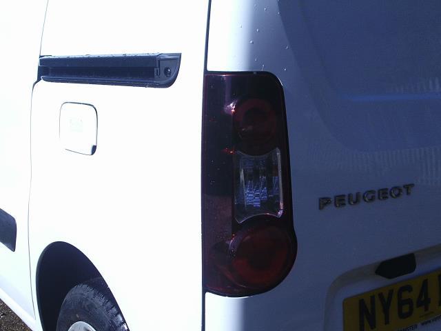 2015 Peugeot Partner L1 850 S 1.6 92PS (SLD) EURO 5 (NY64BCV) Image 15