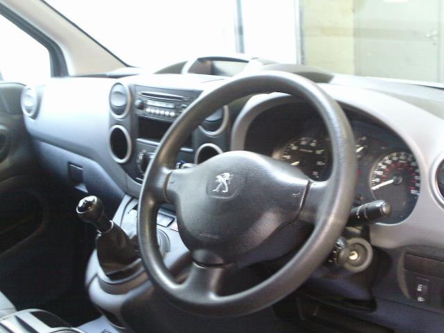 2015 Peugeot Partner L1 850 S 1.6 92PS (SLD) EURO 5 (NY64BCV) Image 25