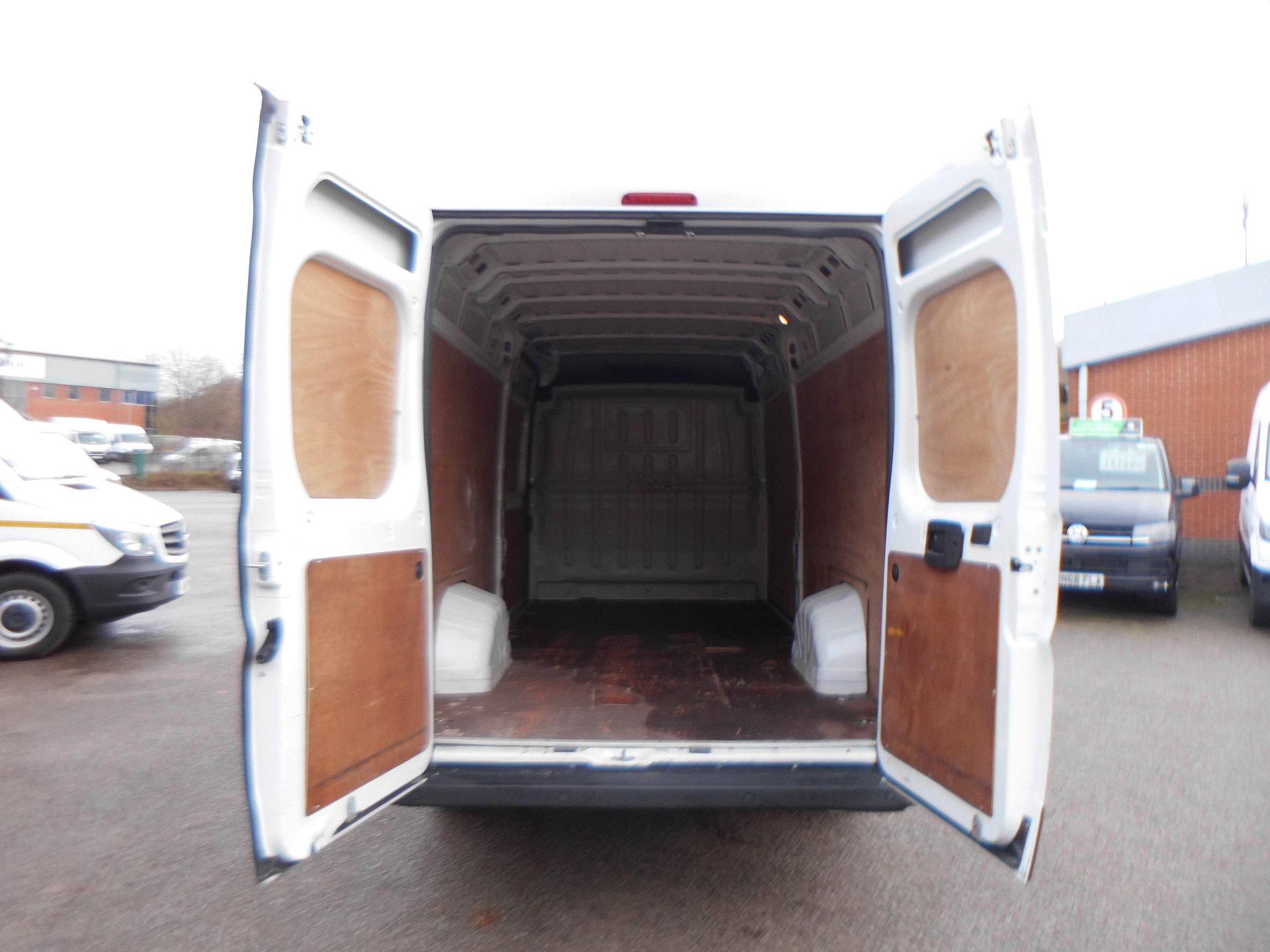 2018 Peugeot Boxer 435 2.0 Bluehdi L4 H2 Professional Van 130Ps (OU18ODV) Image 10