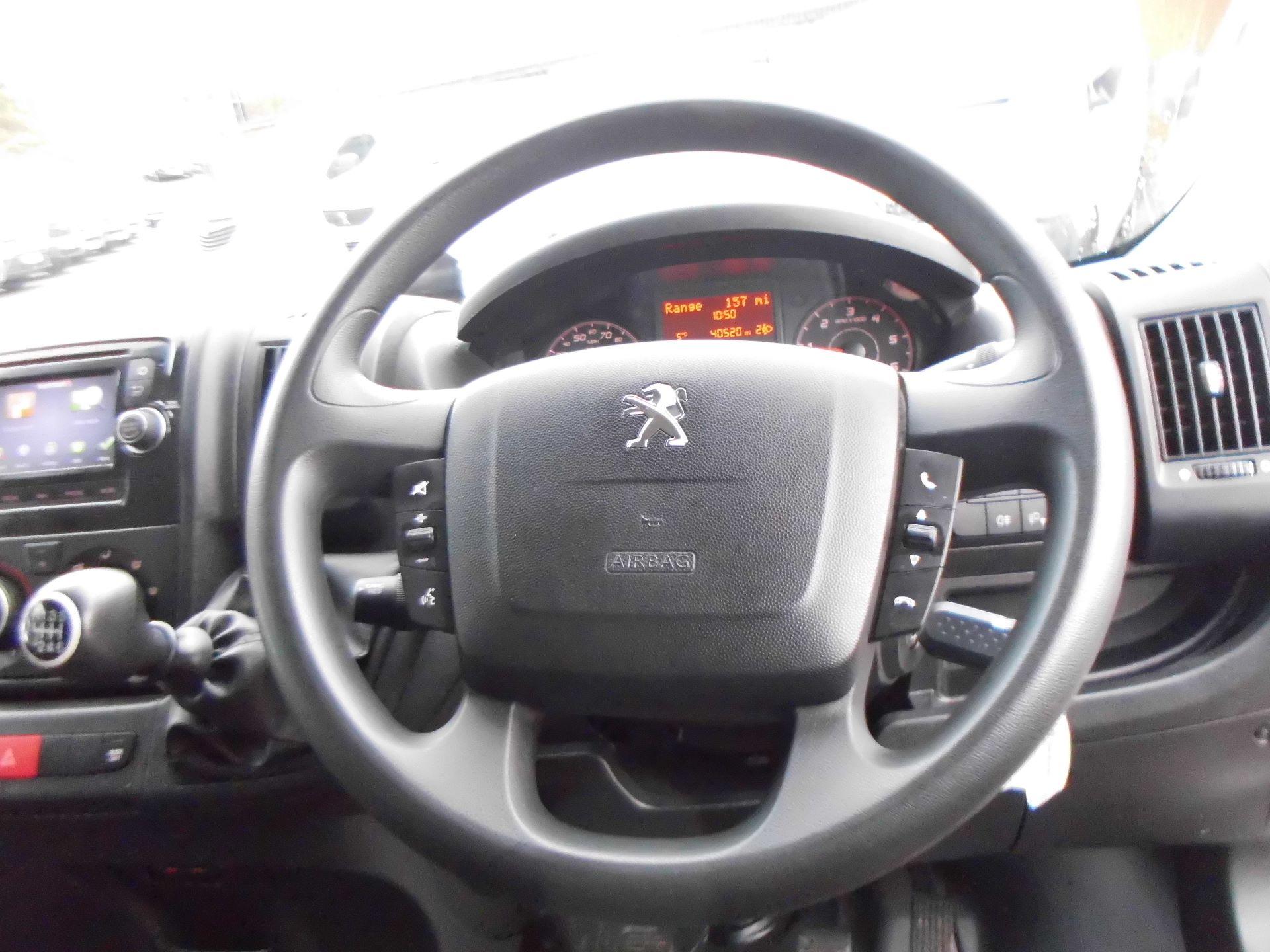 2018 Peugeot Boxer 435 2.0 Bluehdi L4 H2 Professional Van 130Ps (OU18ODV) Image 8