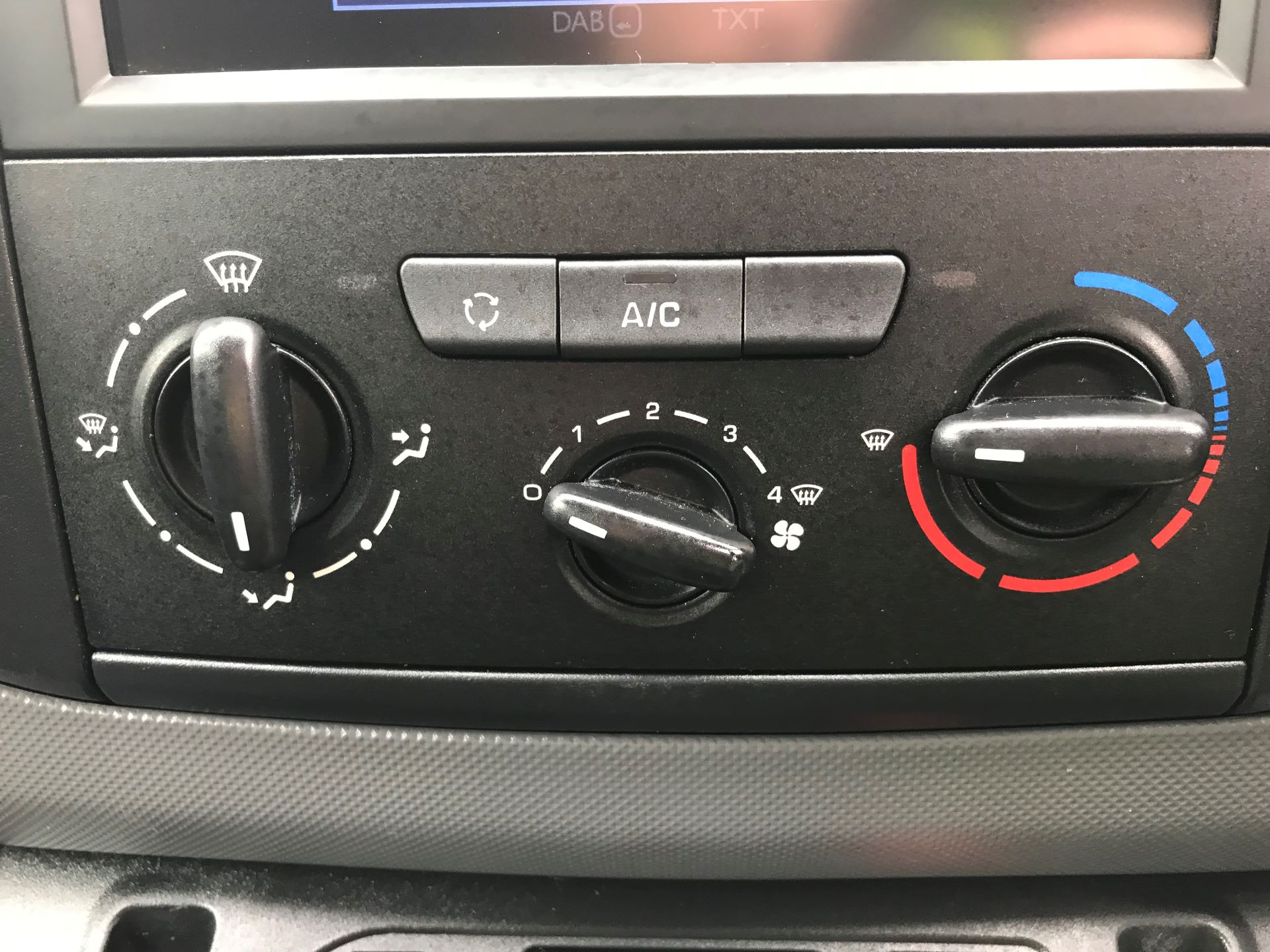 2017 Peugeot Partner L1 850 1.6 BLUEHDI 100 PROFESSIONAL (NON S/S)EURO 6 (OV67NXZ) Image 23