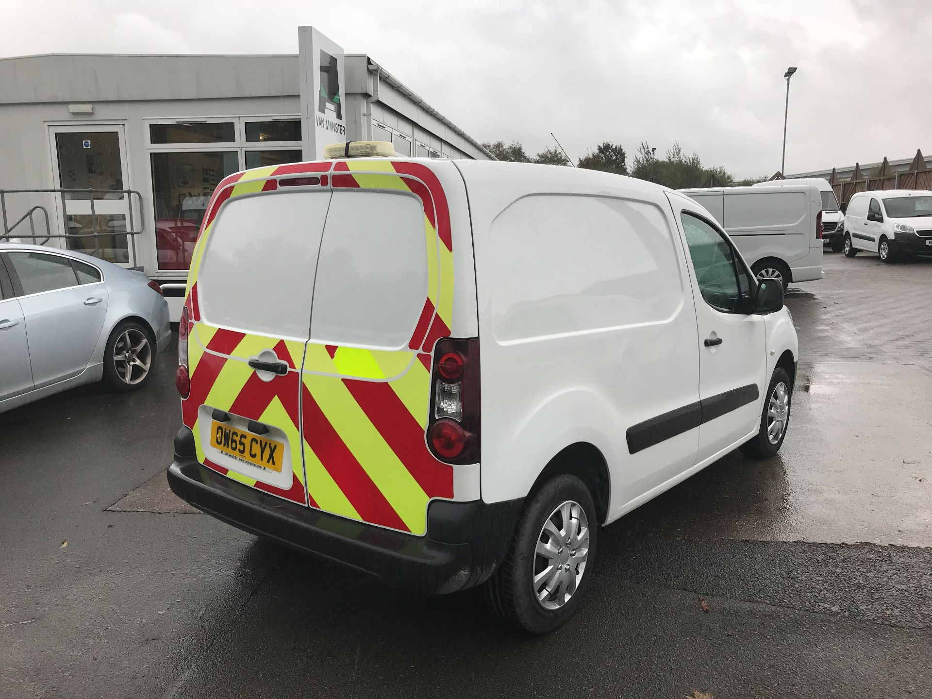 2016 Peugeot Partner 850 1.6 Hdi 92 Professional Van (OW65CYX) Image 4