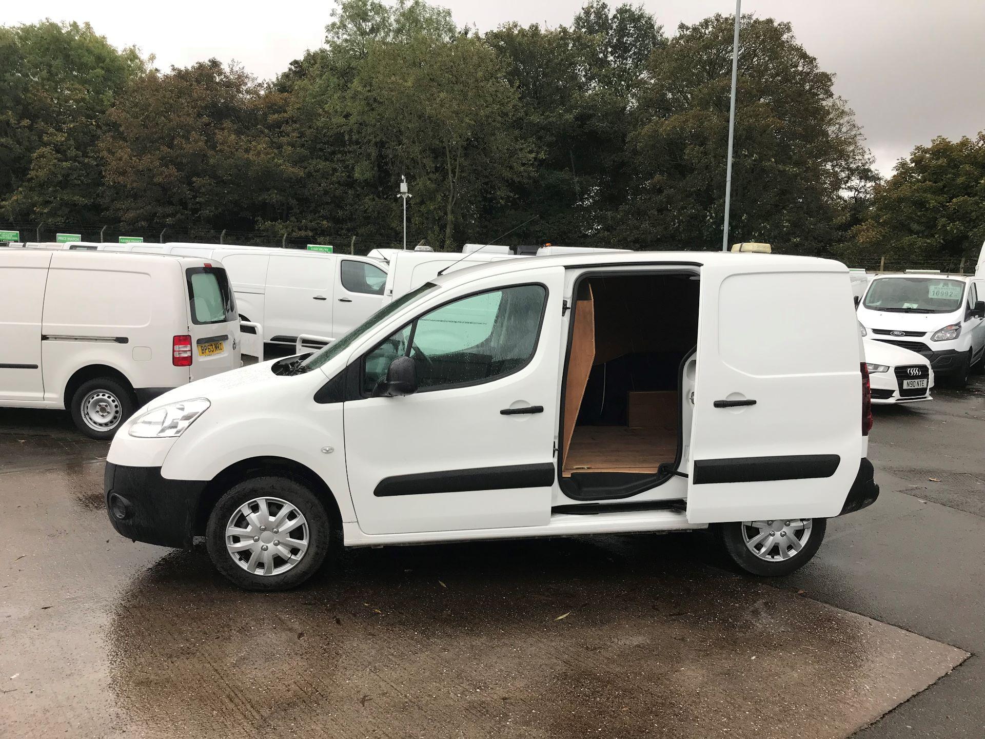 2016 Peugeot Partner 850 1.6 Hdi 92 Professional Van (OW65CYX) Image 10