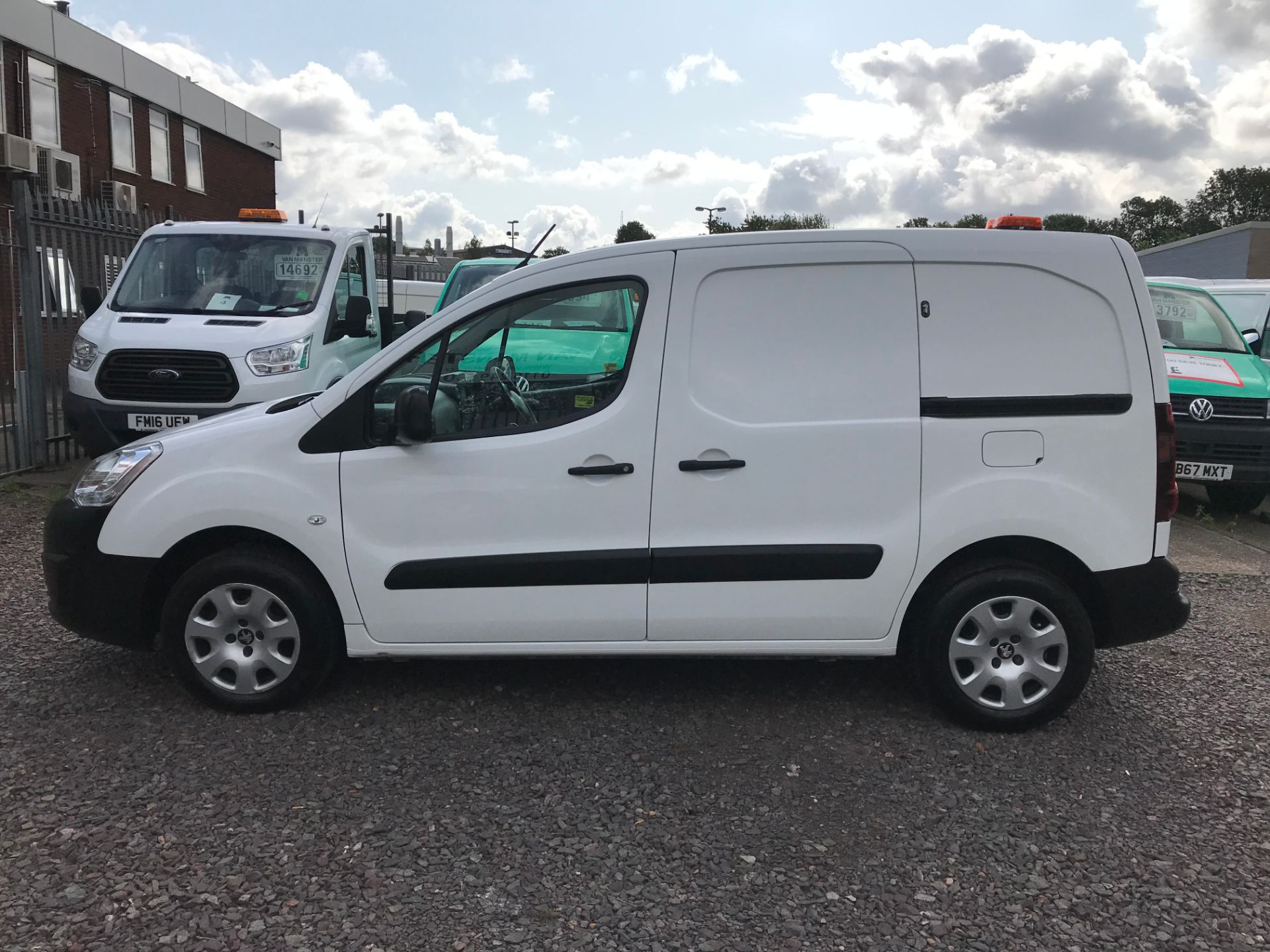 2016 Peugeot Partner L1 850 S 1.6 92PS (SLD) PROFESSIONAL 3 SEATS EURO 5  (OY16ZWS) Image 7