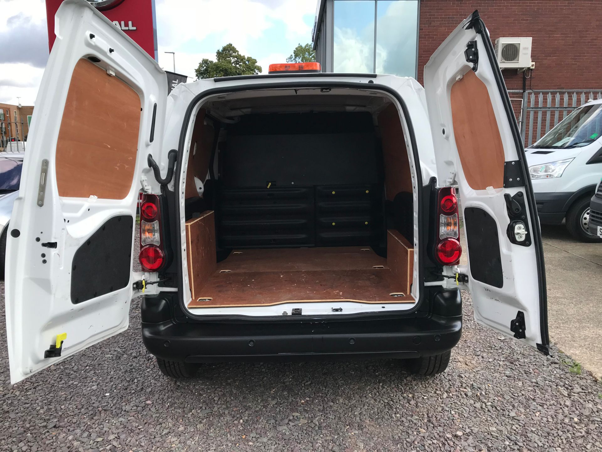 2016 Peugeot Partner L1 850 S 1.6 92PS (SLD) PROFESSIONAL 3 SEATS EURO 5  (OY16ZWS) Image 6