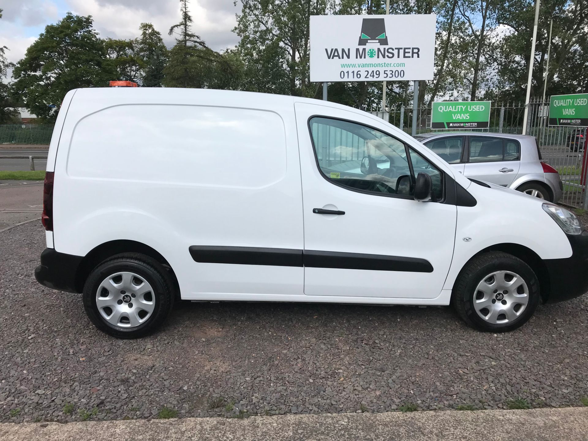 2016 Peugeot Partner L1 850 S 1.6 92PS (SLD) PROFESSIONAL 3 SEATS EURO 5  (OY16ZWS) Image 2